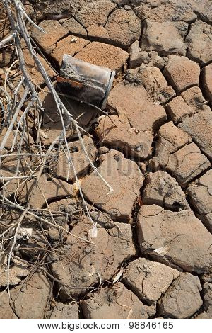 Dry Cracks