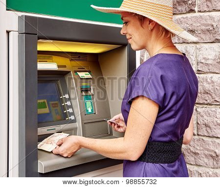 Pretty Woman Operates Atm