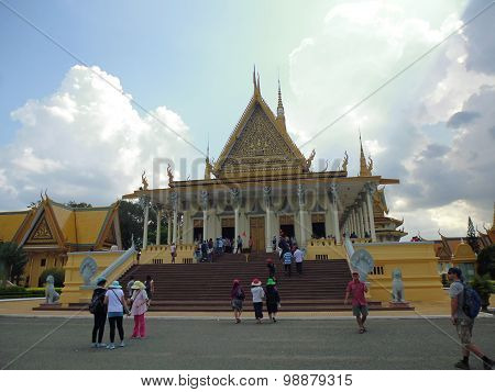 Veiw on Royal palace in Phnom Penh