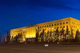picture of lenin  - Night Lenin Square in Stavropol Russia Night Lenin Square  - JPG