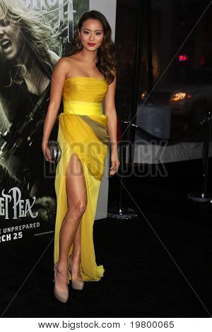 LOS ANGELES - MAR 23:  Jamie Chung arrives at the