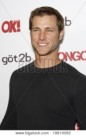 LOS ANGELES - APR 14:  Jake Pavelka arrives at the OK magazine 'Sexy Singles Party'  at The Lexington Social House on April 14, 2011 in Los Angeles, CA.