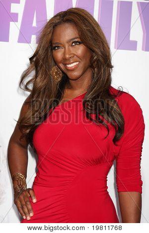 LOS ANGELES - APR 19:  Kenya Moore arrives at the