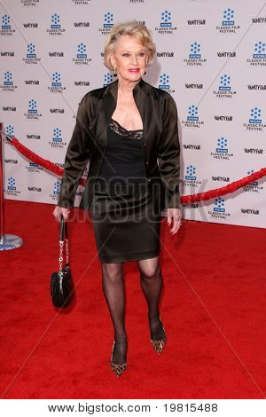LOS ANGELES - APR 27:  Tippi Hedren arriving at the TCM Classic Film Festival &  World Premiere Of