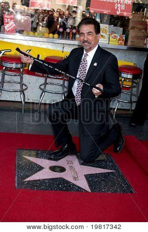 LOS ANGELES - APR 29:  Joe Mantegna attending the Hollywood Walk of Fame Star Ceremony for Joe Mantegna at Hollywood Walk of Fame on April 29, 2011 in Los Angeles, CA