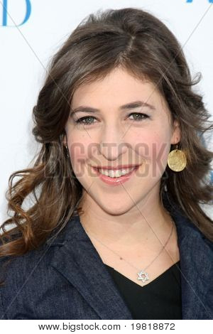 LOS ANGELES - MAY 3:  Mayim Bialik arriving at the