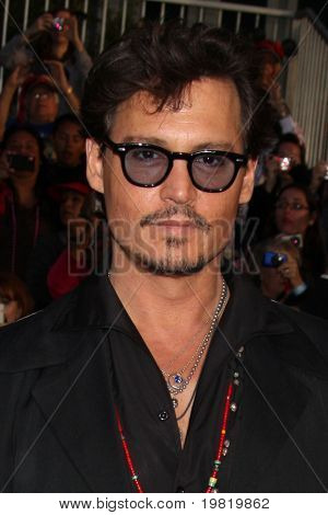 "LOS ANGELES - MAY 7:  Johnny Depp arriving at the ""Pirates of The Caribbean: On Stranger Tides"" World Premiere at Disneyland on May 7, 2011 in Anaheim, CA"