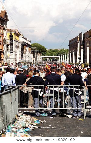 police in st peter's square