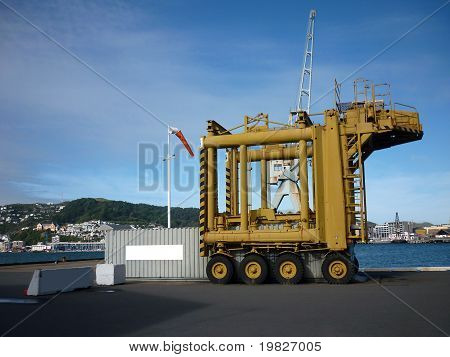 container gantry/transporter