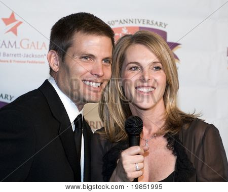 SCOTTSDALE, AZ - JANUARY 9: Casper van Dien and Catherine Oxenberg at the Childhelp Drive the Dream Gala on January 9, 2009 in Scottsdale, AZ.