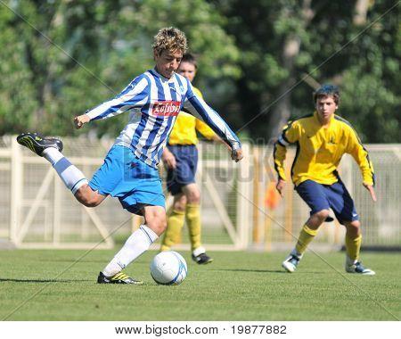Kaposvar, Ungarn 21. Juli: unbekannte Spieler in Aktion bei der v. Jugend Festival Fußballspiel