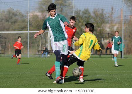 KAPOSVÁR, Hungria - 30 de outubro: Jogadores não identificados em ação no Campeonato Nacional Húngaro