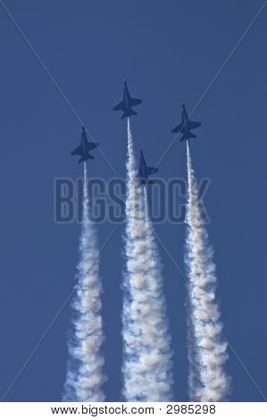 Blue Angels Diamond Formation, Climbing