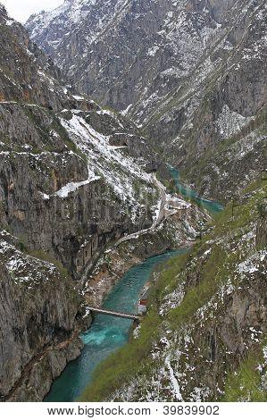 Piva Border