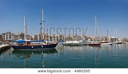Marina Zea, Piraeus