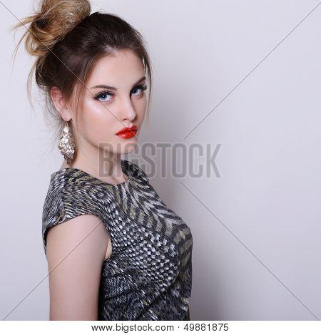 menina da moda, retrato de jovem glamour luxo moda mulher