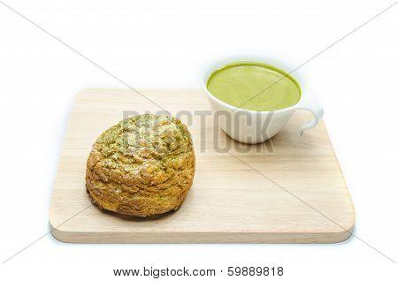 matcha chou cream and green tea