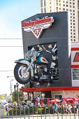 Harley-davidson Cafe In Las Vegas With A Replica Of The Famous M