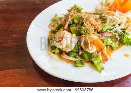 Spicy Shrimp With Winged Bean Salad