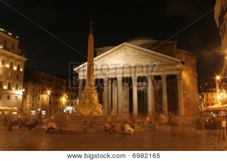 Pantheon - Rome in october night