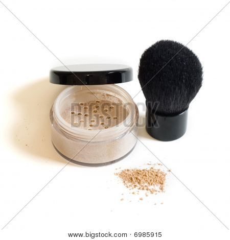 Mineral makeup and kabuki brush