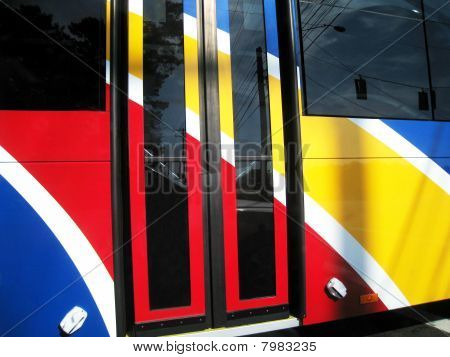 Multicolor omnibus