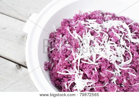 Vietnamese Magenta Leaves Sticky Rice And Slices Of Coconut - Xoi La Cam
