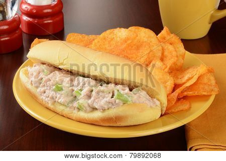 Tuna Sandwich With Chips