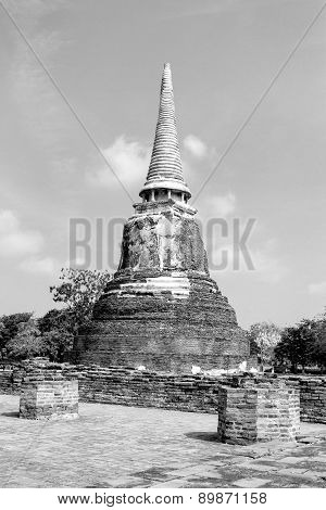 Black And Withe Sharp Pagoda