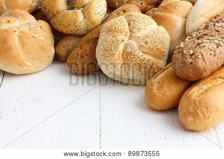 Mixed bread rolls and baguettes