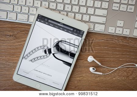 Chiangmai, Thailand - February 8, 2015: Apple Computers Website Close Up Details Seen On Ipad With T