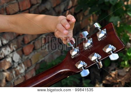 Child Tuning  Guitar