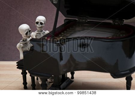 skeleton piano session