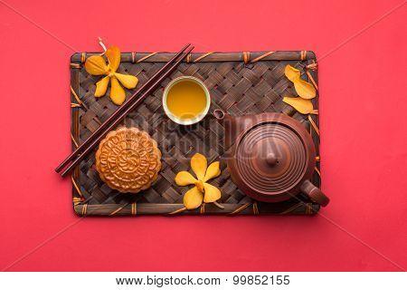 Chinese moon cake and tea