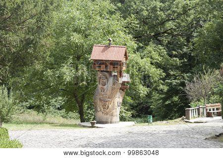 A Wooden Hut At The Park Schonborn