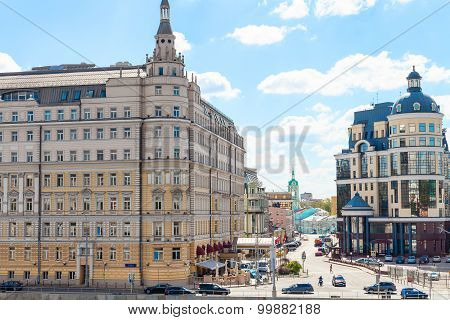 Balchug Street And Raushskaya Embankment In Moscow