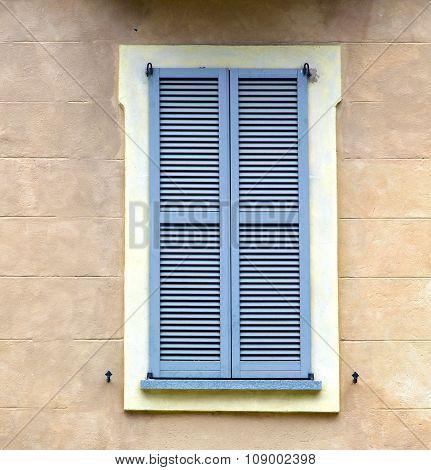 Grey Window Jerago Palaces    Wood Venetian Blind  The Concrete  Brick