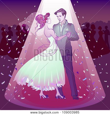 Couple dancing wedding dance in the spotlight