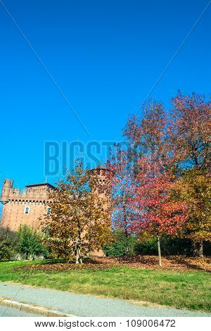 The Castle and the autumn, Turin
