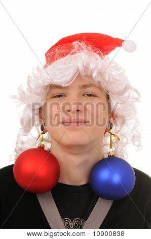 Adolescente com decoração de Natal