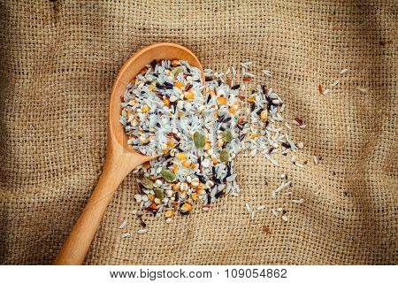 Mixed Multi Grain Traditional Thai Rice ,corn ,sunflower ,rye ,sesame , And Job's Tears Best Food Fo