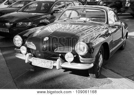 Old-timer Volkswagen Karmann Ghia, Monochrome