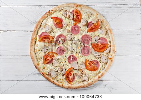 Supreme Asssorti Classic Pizza With Cheese, Tomato, Ham, Chicken. Italian Pizza