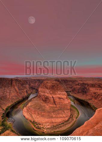 Moonrise Horseshoe Bend