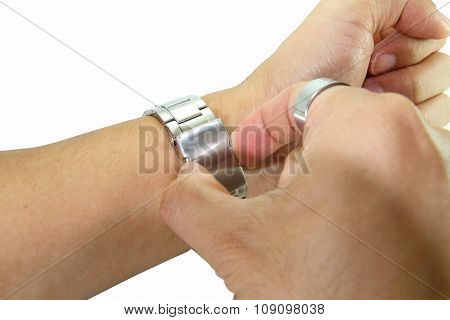 remove the watch from wrist