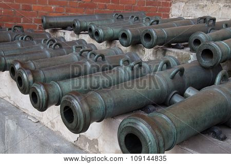Old cannons shown in the Moscow Kremlin.