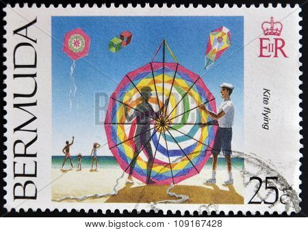 BERMUDA - CIRCA 2000: A stamp printed in Bermuda shows kite flying, circa 2000