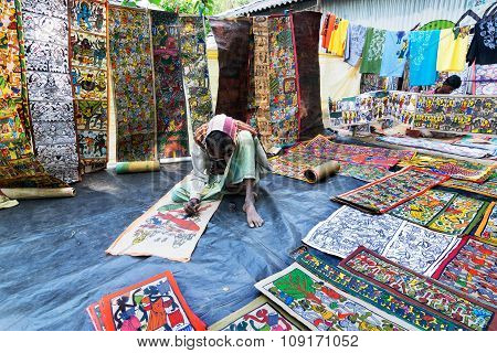 Handicrafts Are Perpared For Sale By Rural Indian Man.