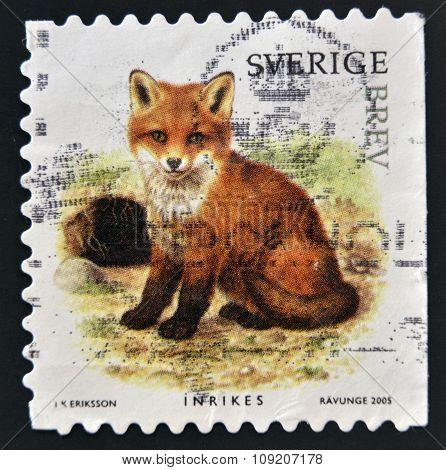 SWEDEN - CIRCA 2005: stamp printed in Sweden shows Fox circa 2005