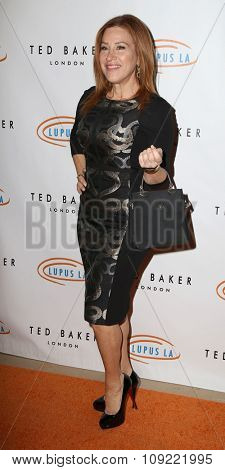 LOS ANGELES - NOV 20:  Lisa Ann Walter at the 13th Annual Lupus LA Hollywood Bag Ladies Luncheon at the Beverly Hilton Hotel on November 20, 2015 in Beverly Hills, CA